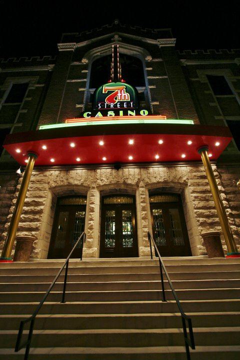 Judge won't let Wyandotte Nation be sued by casino patron