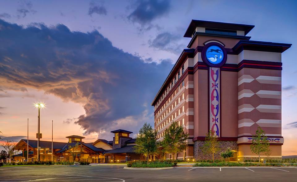Eastern Shawnee Tribe hosts grand opening for casino and hotel