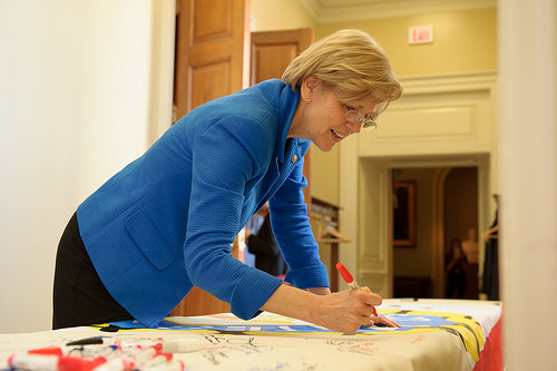 Sen. Warren plans to vote for repeal of Massachusetts casino law