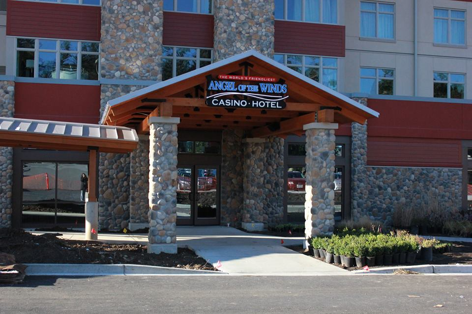 Stillaguamish Tribe welcomes visitors to $27M hotel at casino