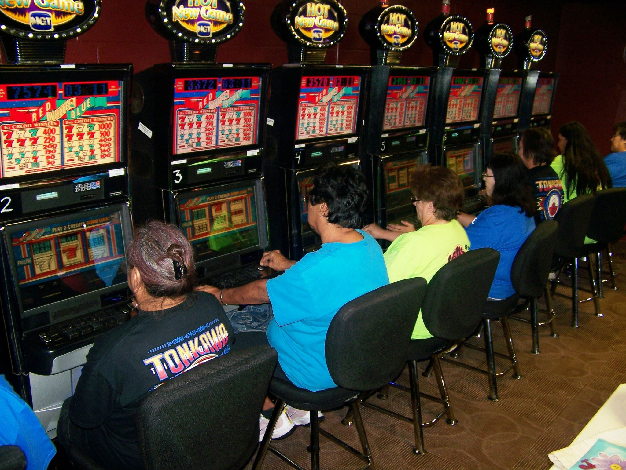 Tonkawa Tribe signs agreement for machines and renovations