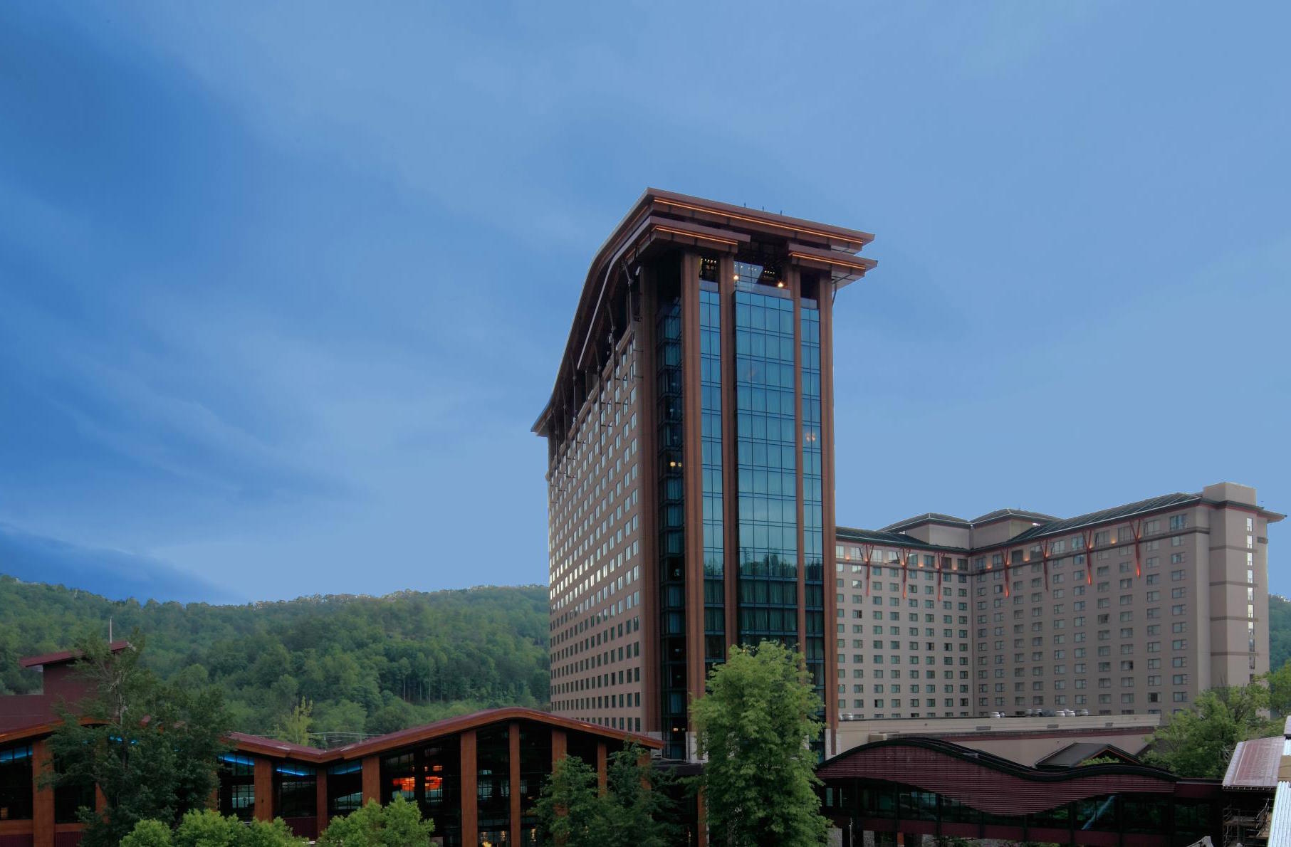 Eastern Cherokees remove three gaming regulators after dispute