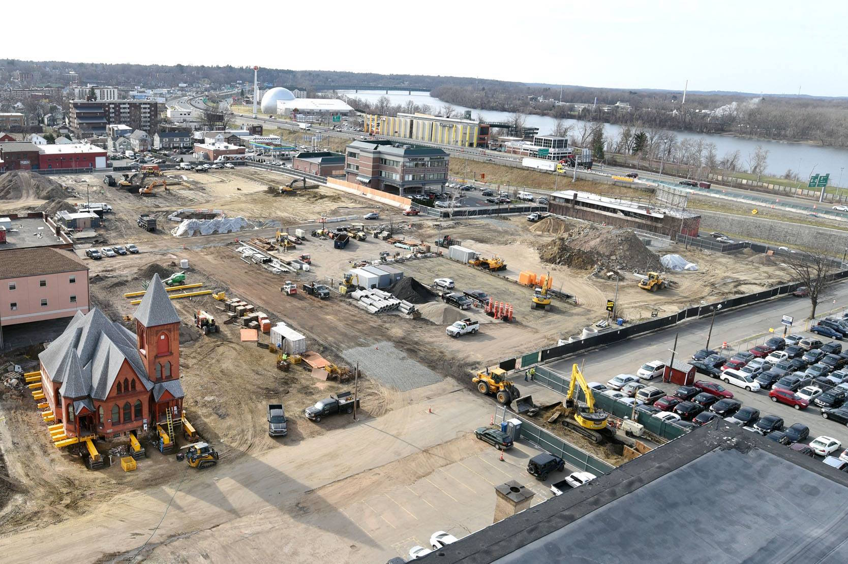 Casino company in battle with tribes gears up two major projects