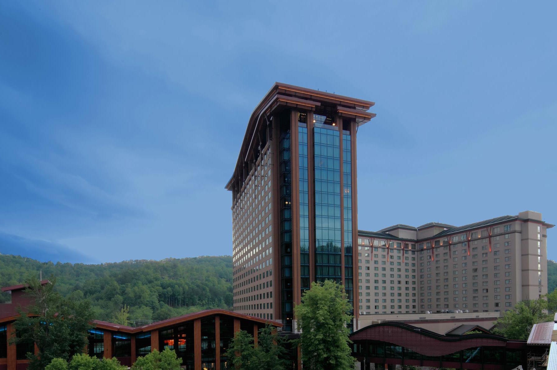 Eastern Cherokees schedule vote on liquor sales beyond casinos