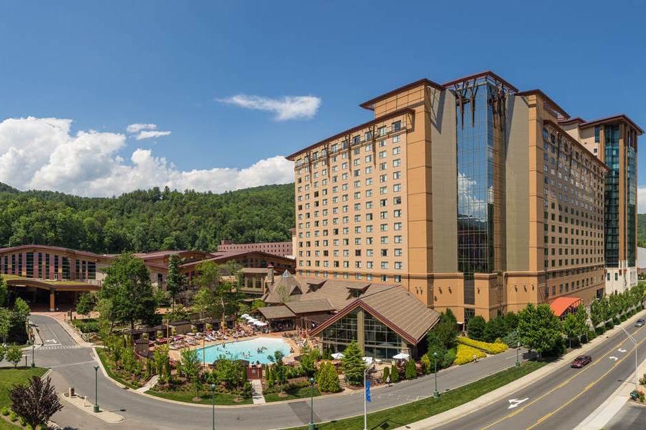 Eastern Cherokees urged to bring more retail options to casino