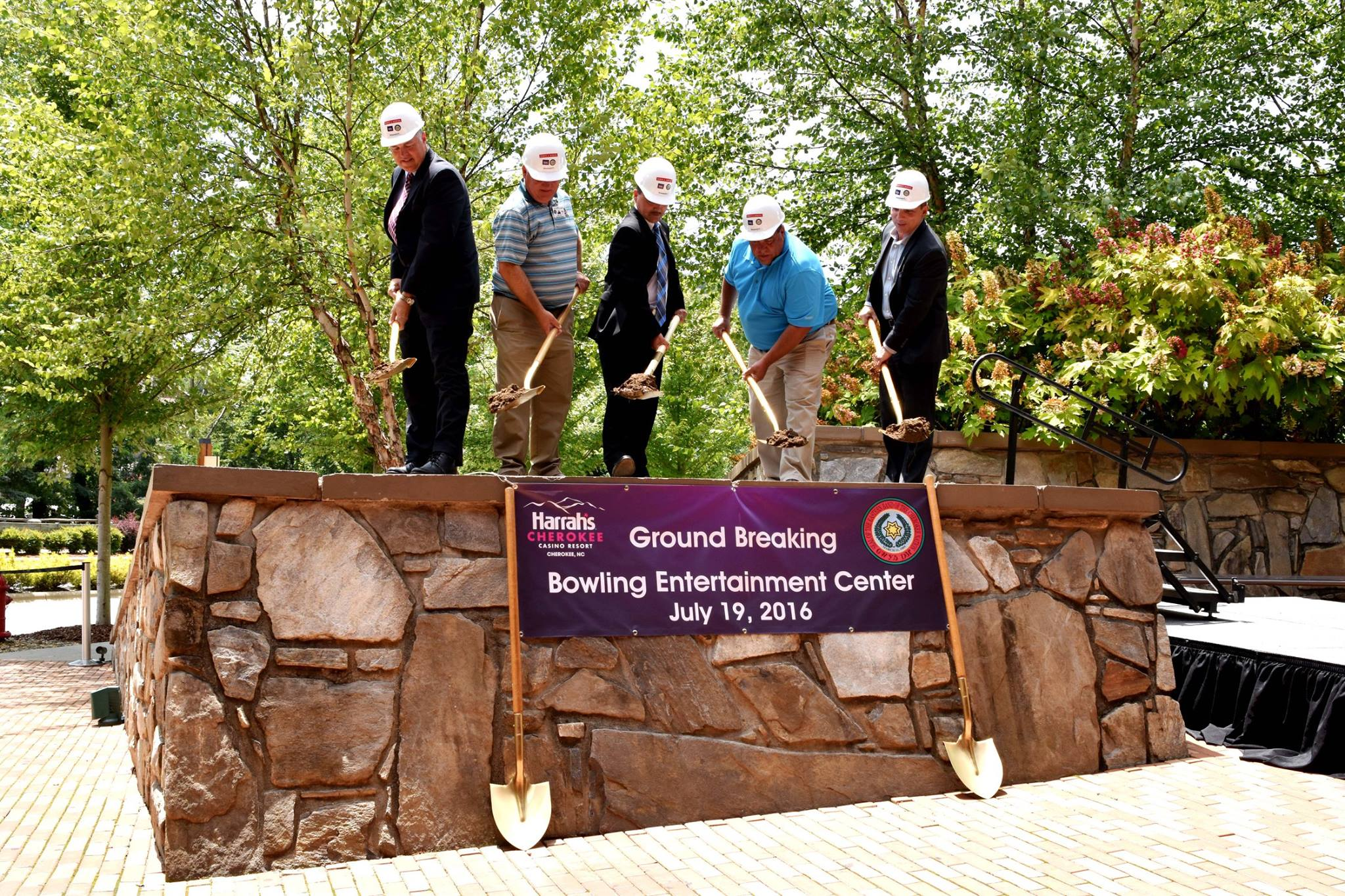 Eastern Cherokees start work on $13M bowling center at casino