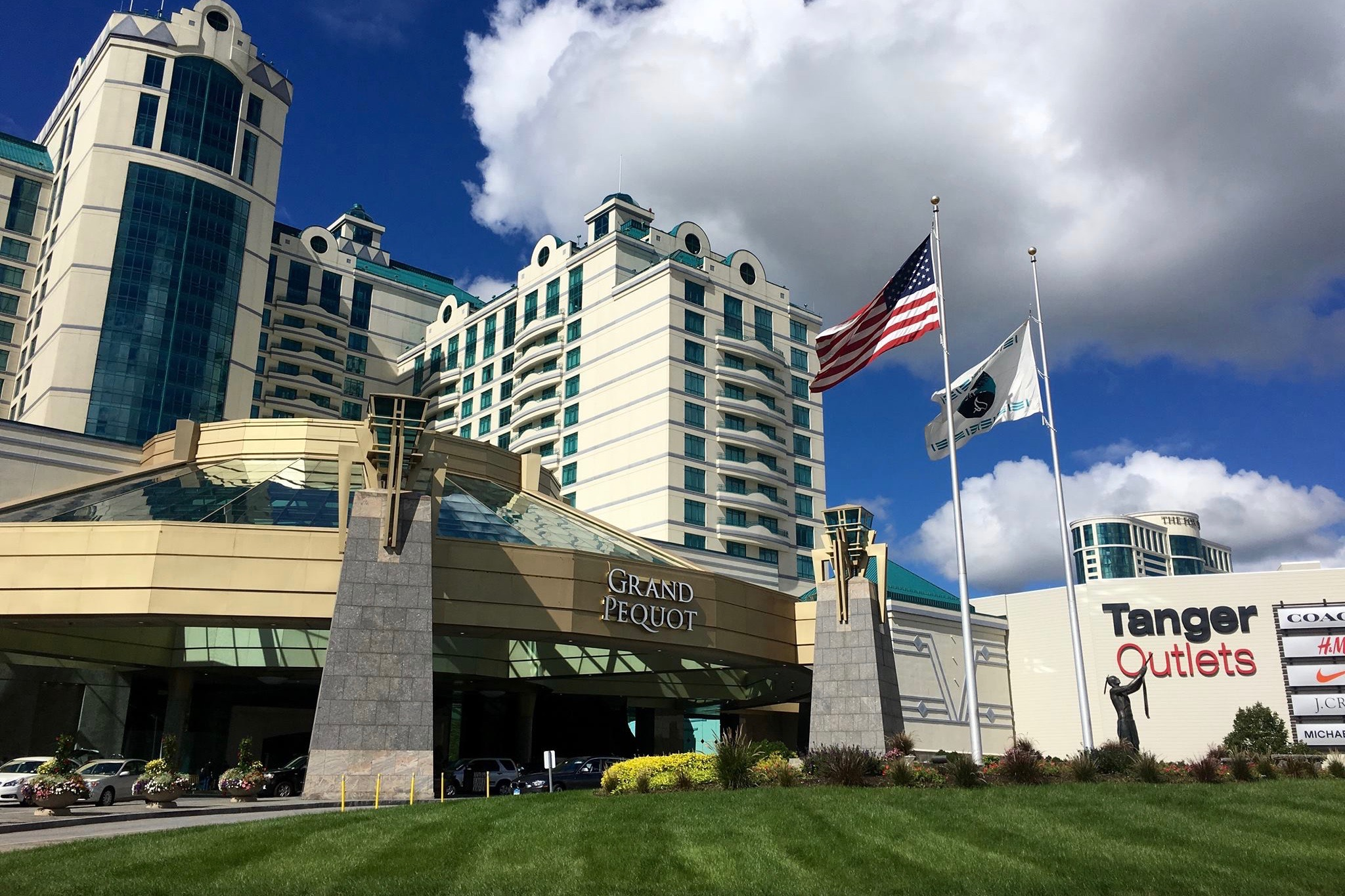 Mashantucket Tribe reaches contract with labor union at casino
