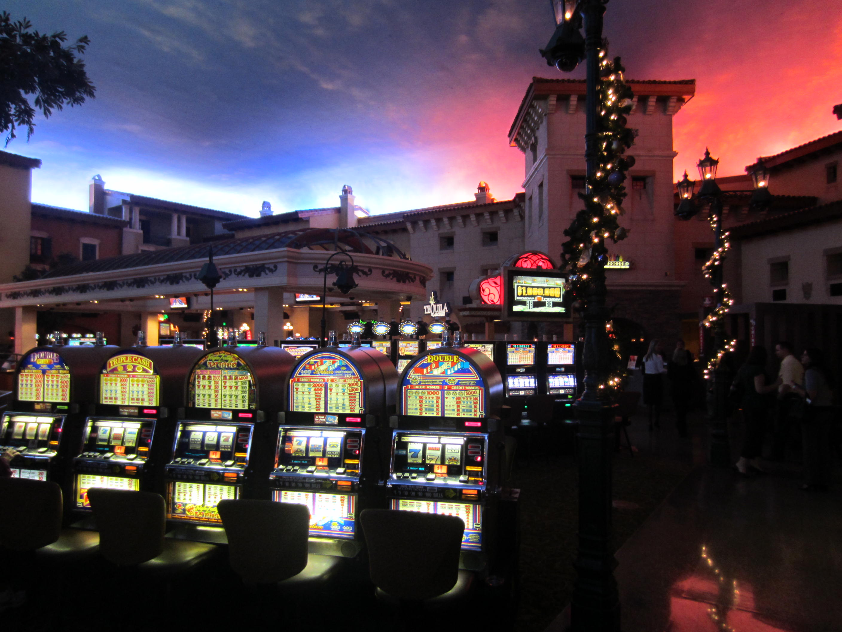 Pascua Yaqui Tribe prepares citizens for casino management jobs