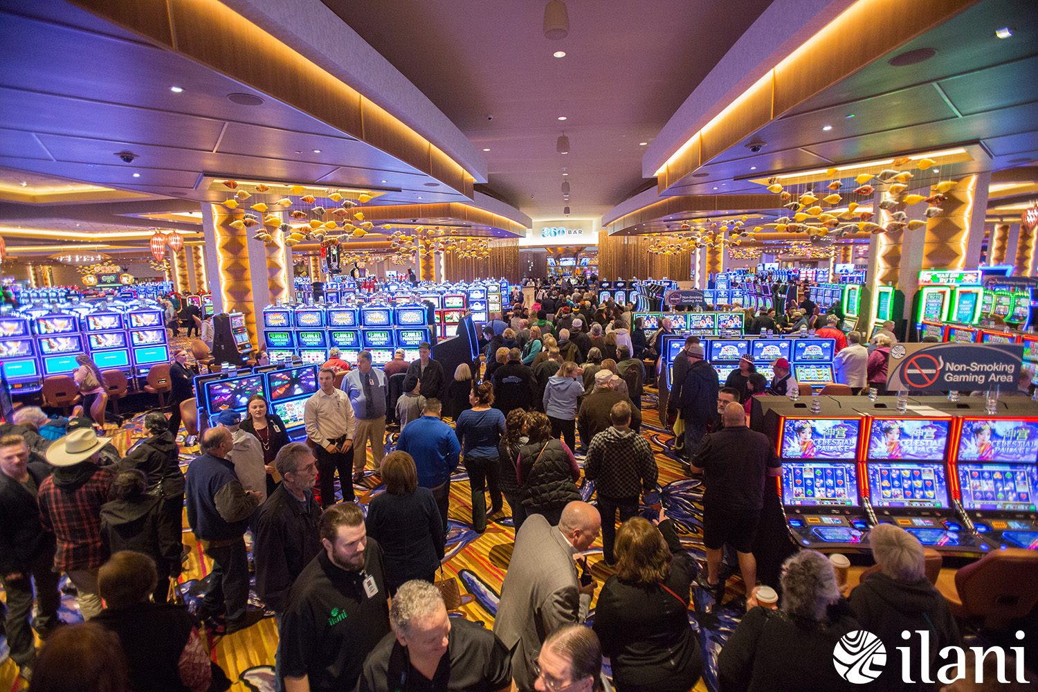 Cowlitz Tribe reports strong turnouts a month after casino debut