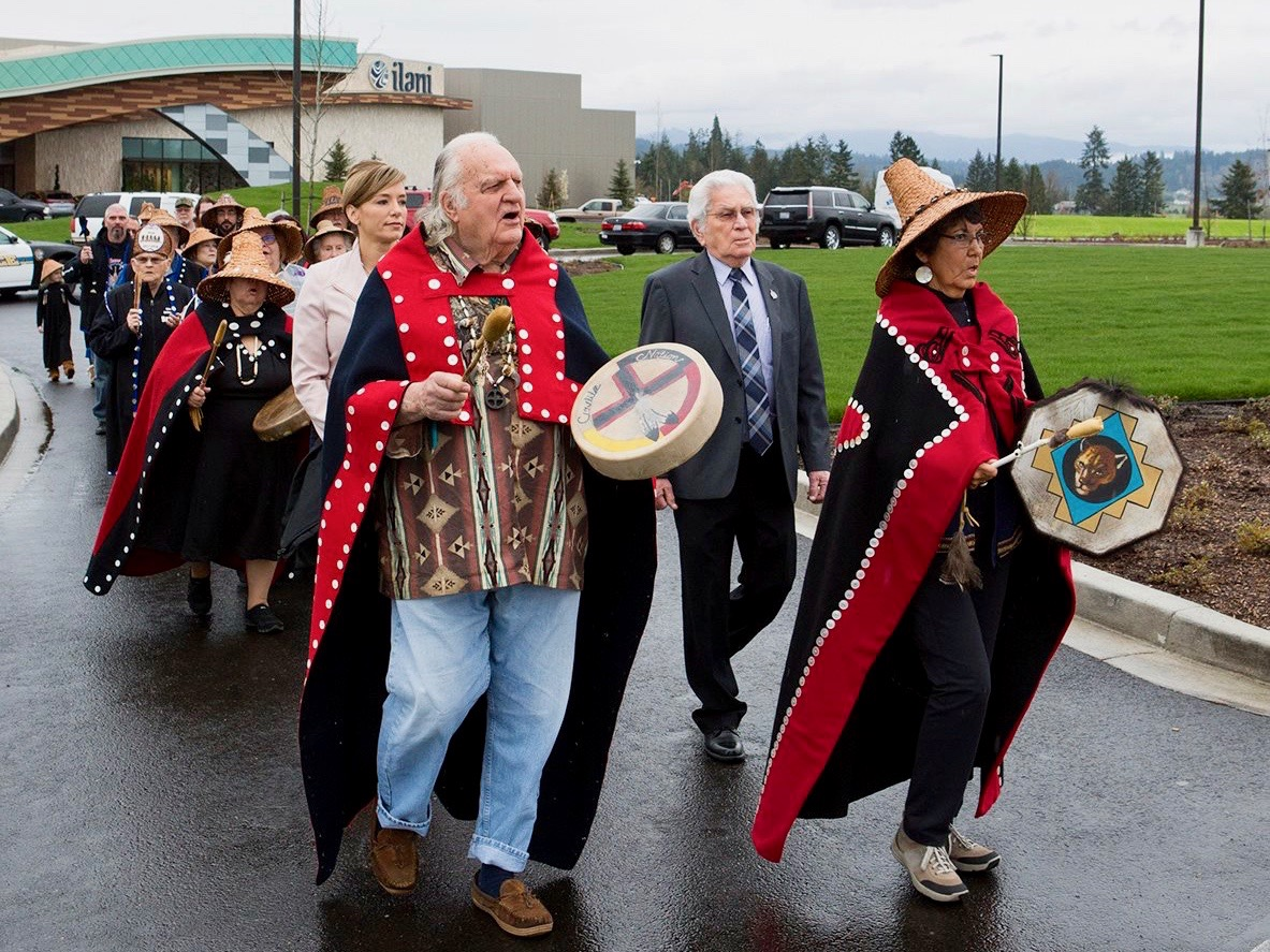 Cowlitz Tribe debuts event center as it celebrates casino anniversary