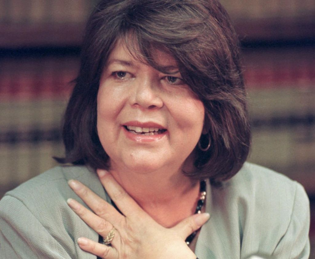 Column: Replace an Indian killer on $20 bill with Wilma Mankiller
