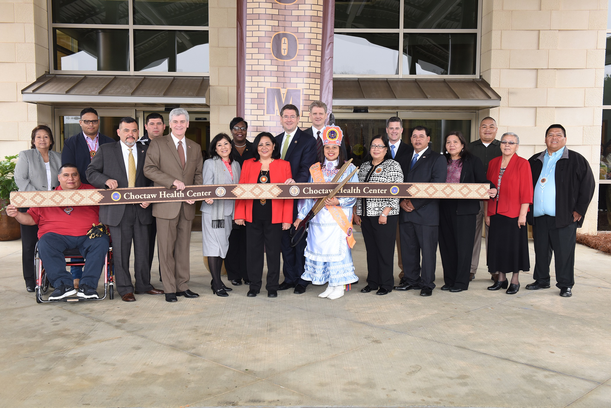 Mississippi Choctaws hold ribbon-cutting at $55M health center