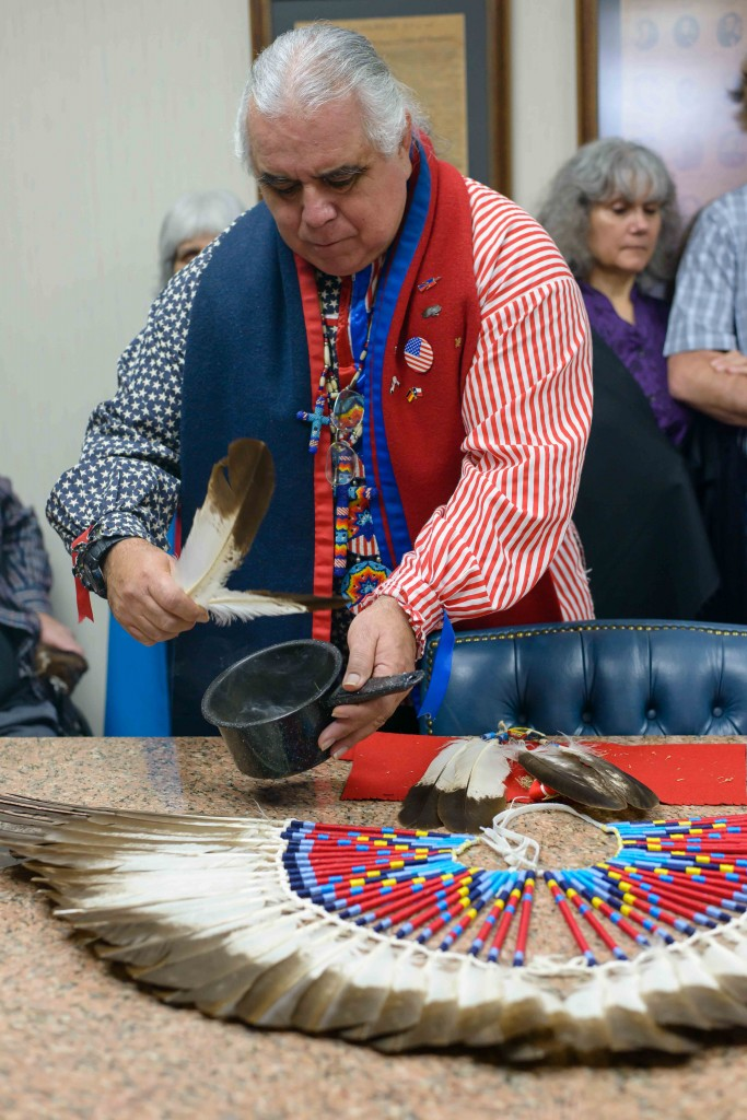 Religious leader of non-recognized tribe reclaims eagle feathers