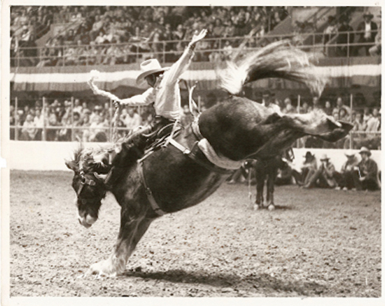 Native Sun News: Lakota rodeo legend Howard Hunter passes on