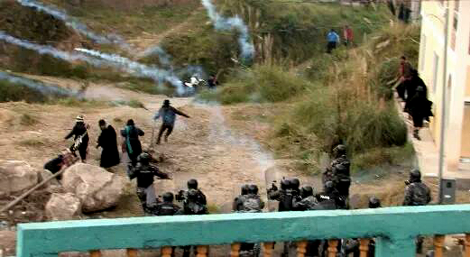 Indigenous marchers clash with officers and soldiers in Ecuador