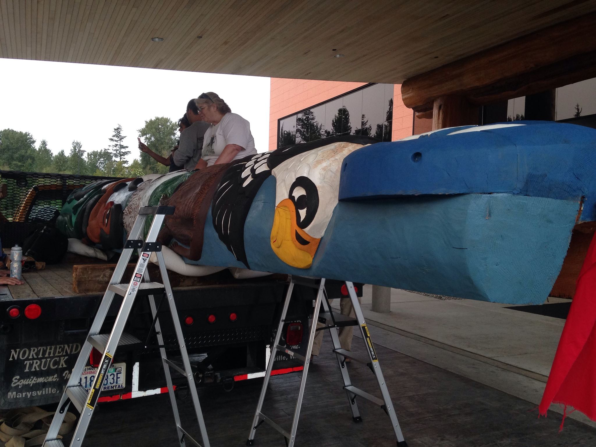 Lummi Nation sends totem pole on long trip to oppose coal project