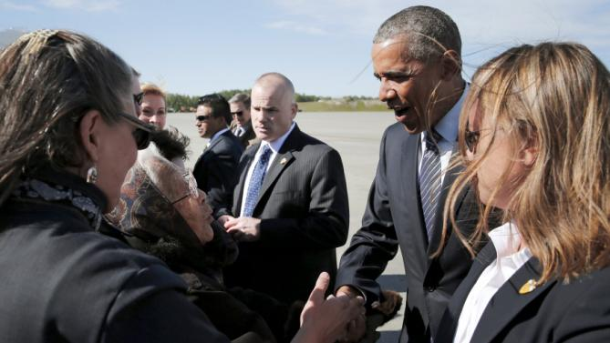 94-year-old Alaska Native elder greets Obama with Denali song