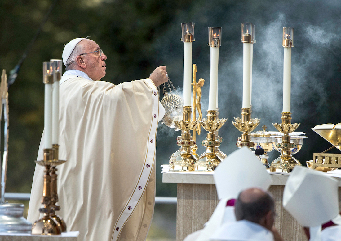 Alex Jacobs Pope Francis Honors Symbol Of Genocide In America