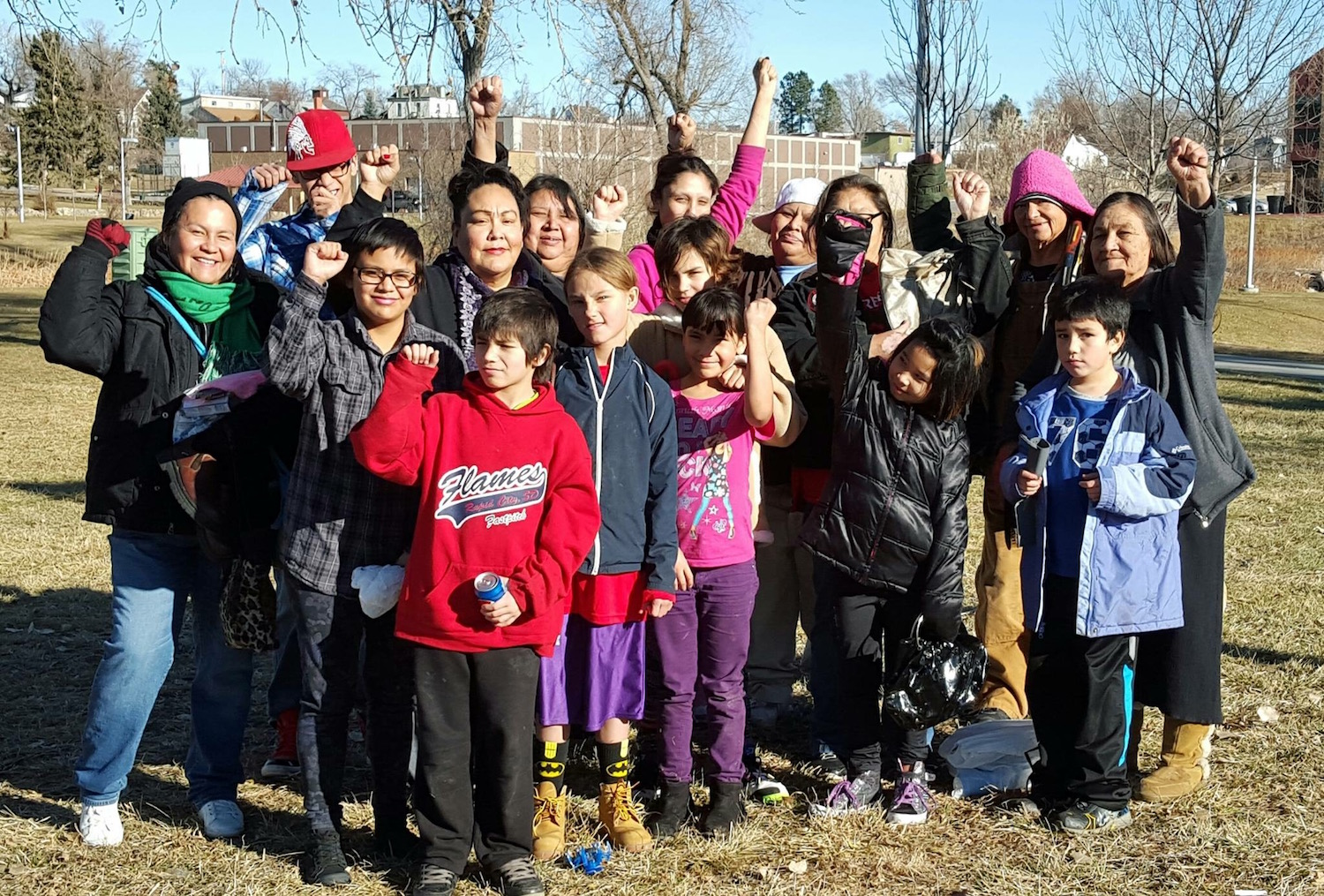 Lakota Country Times: Purse giveaway helps women in Rapid City