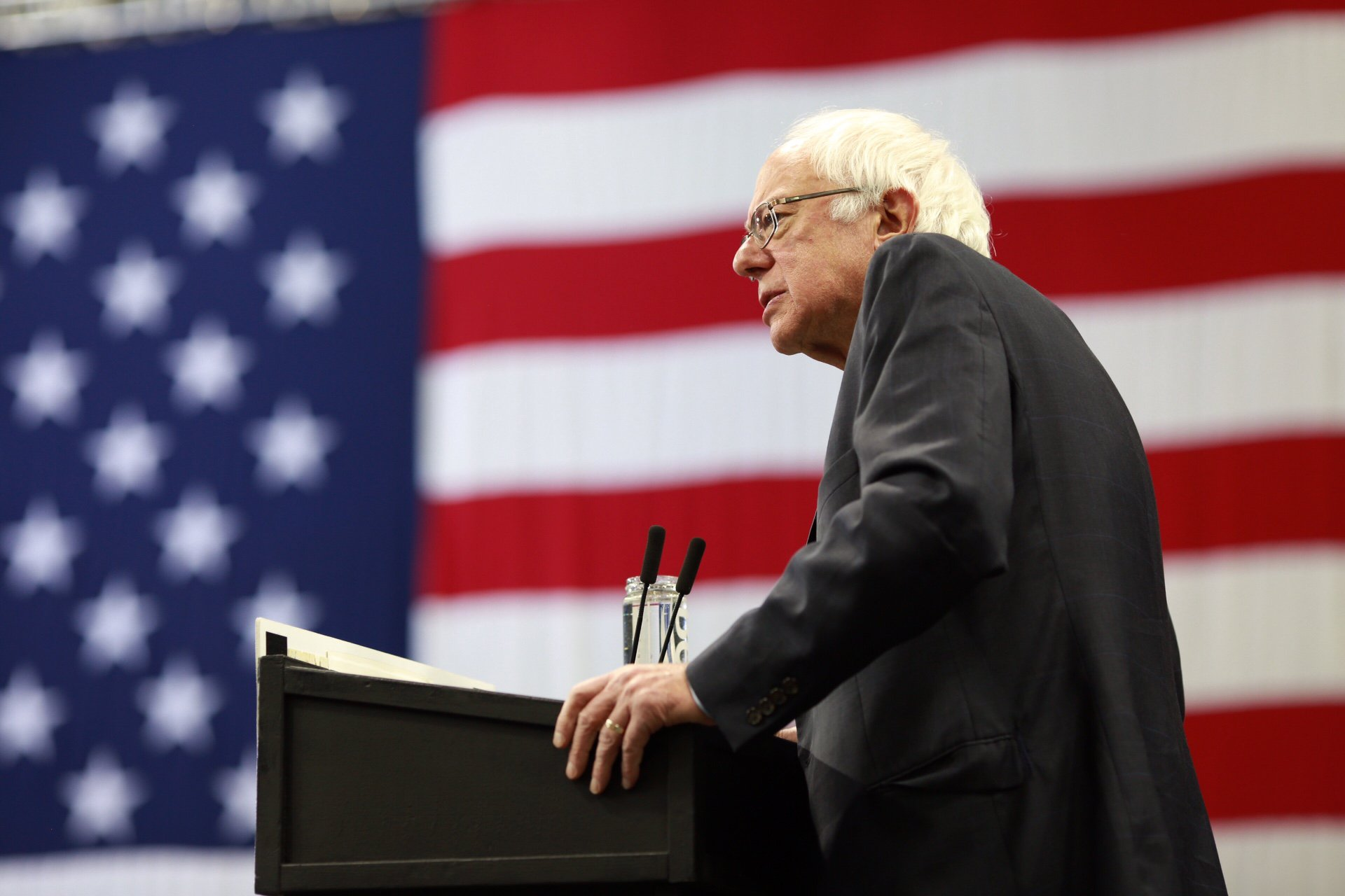 Democrat Bernie Sanders calls for a nationwide ban on fracking