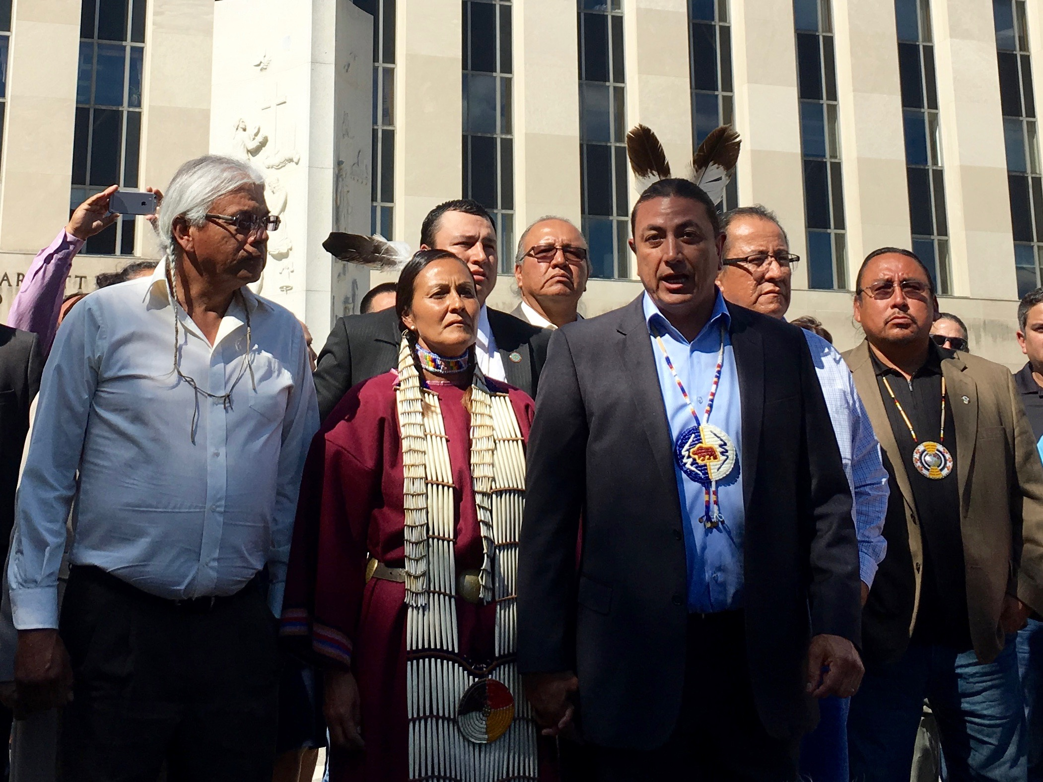 Standing Rock Sioux Tribe sees strong support at pipeline hearing