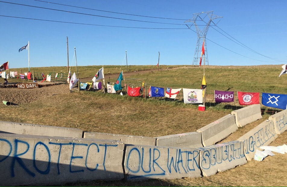 Mark Trahant: State erects silly roadblock at peaceful #NoDAPL camp