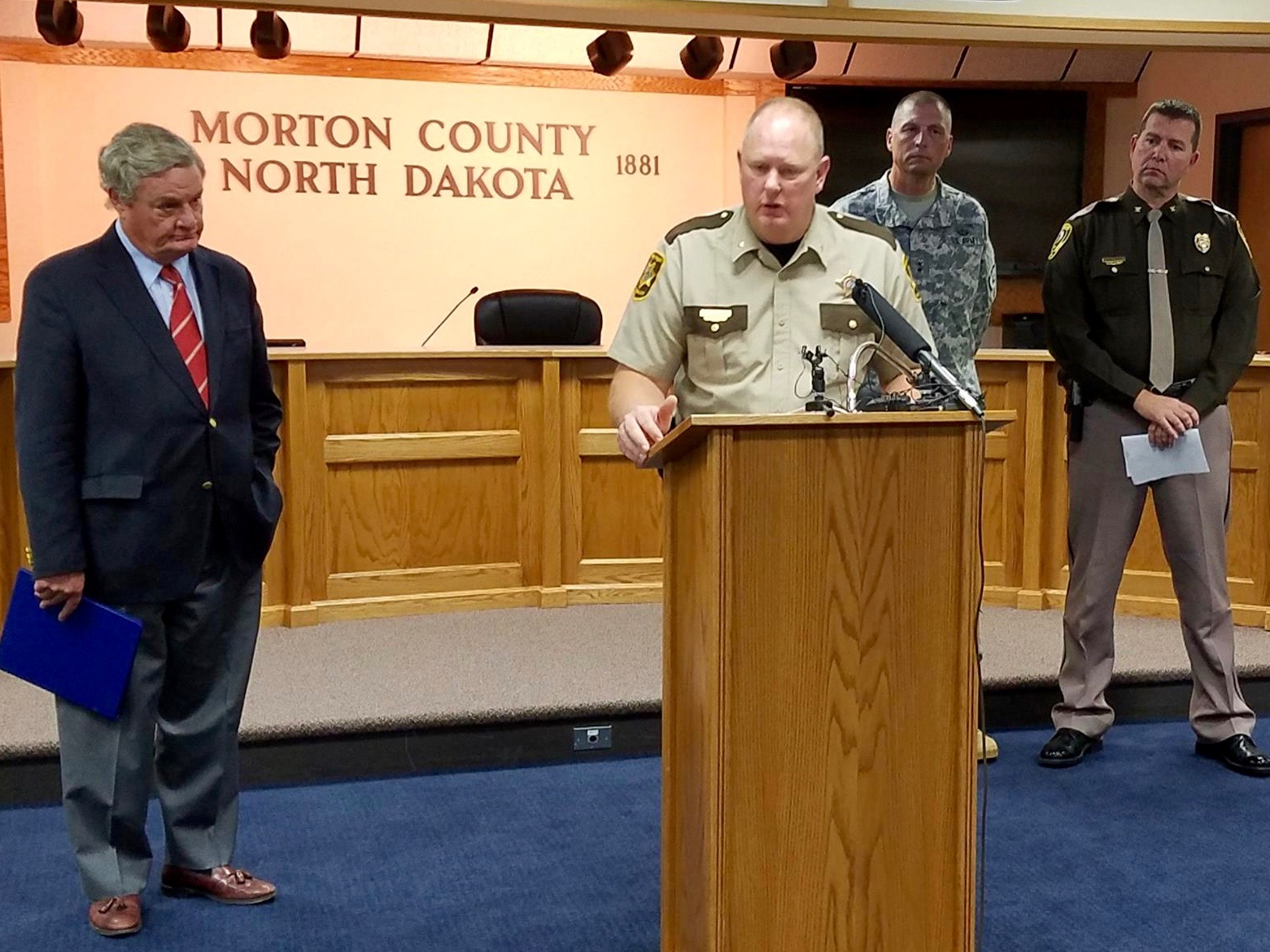 County sheriff leads investigation into #NoDAPL confrontation amid questions about role