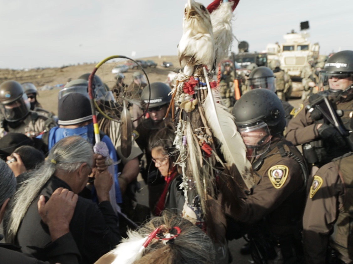 Authorities crack down on #NoDAPL treaty camp in North Dakota