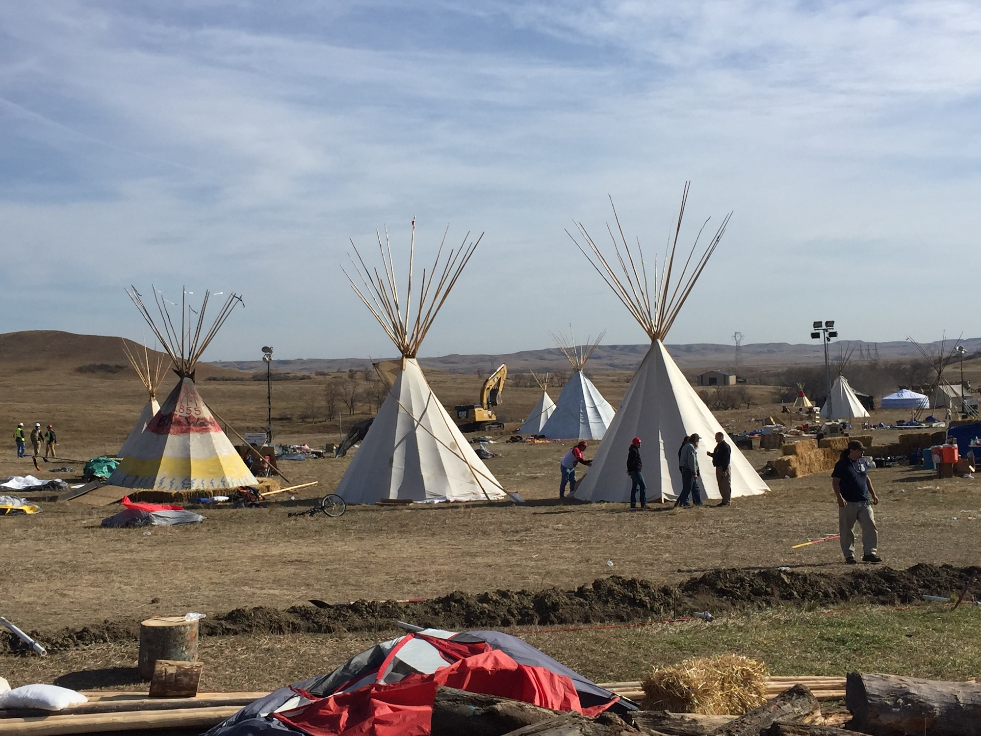 Bureau of Indian Affairs apprehended Dakota Access security guard with rifle