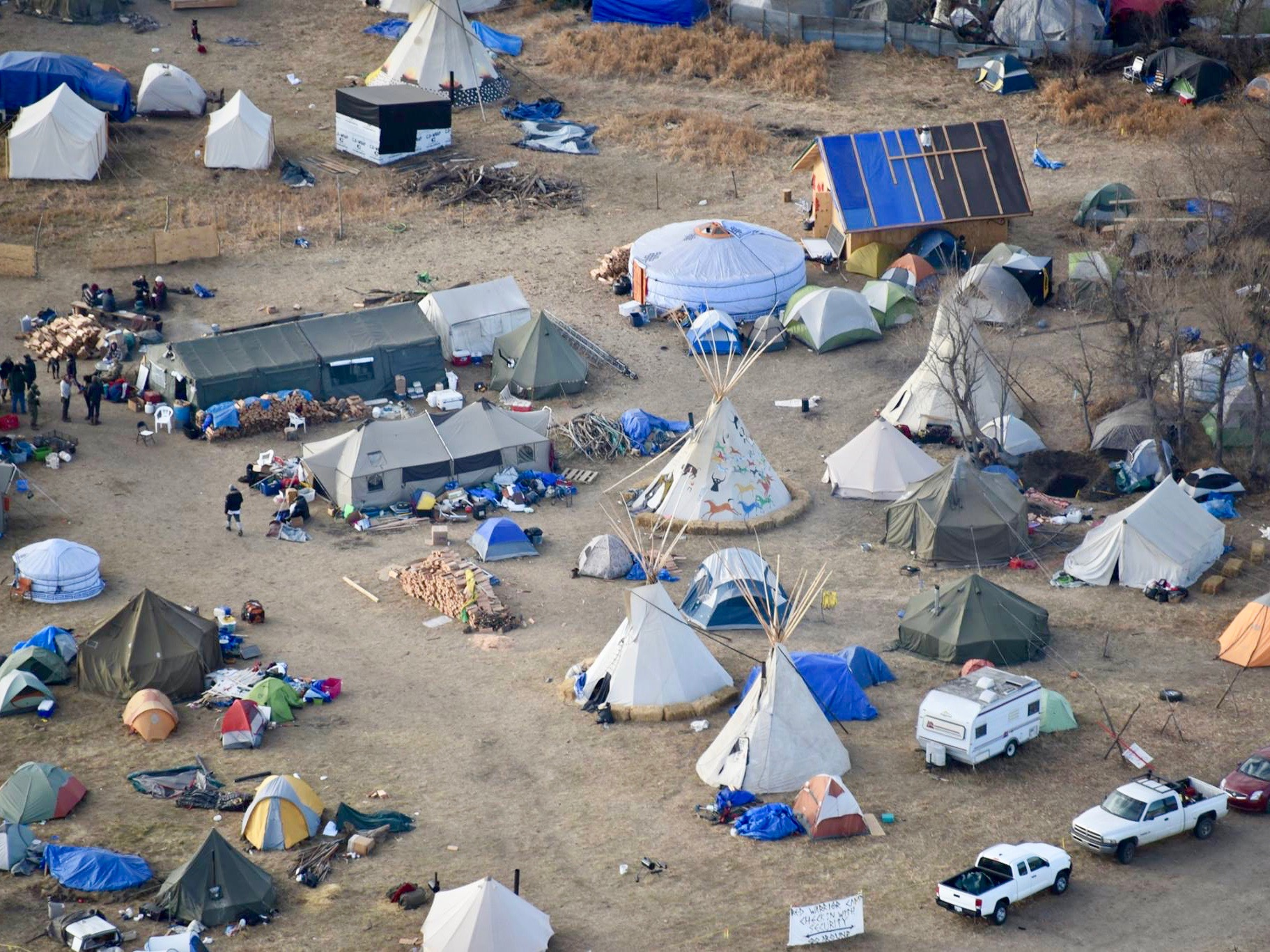 Army Corps changes course and closes land to #NoDAPL encampment