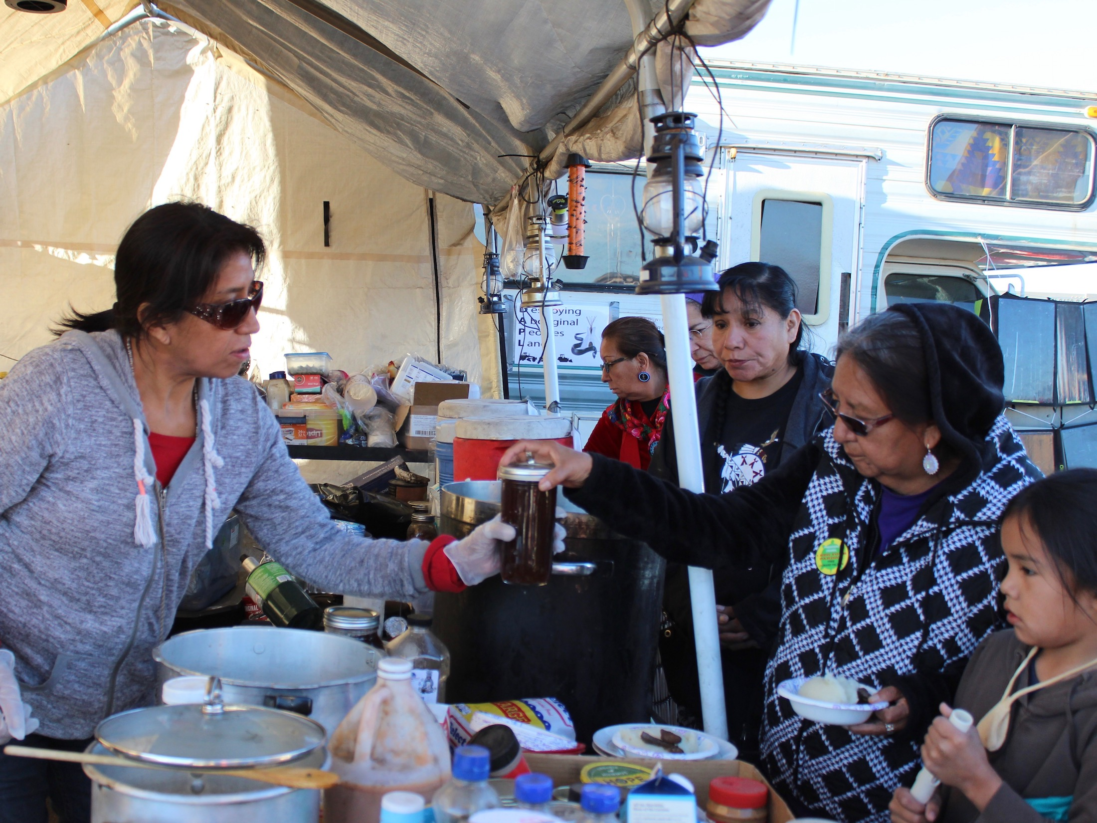 Lakota Country Times: Herbalist brings medicine to Standing Rock #NoDAPL camps