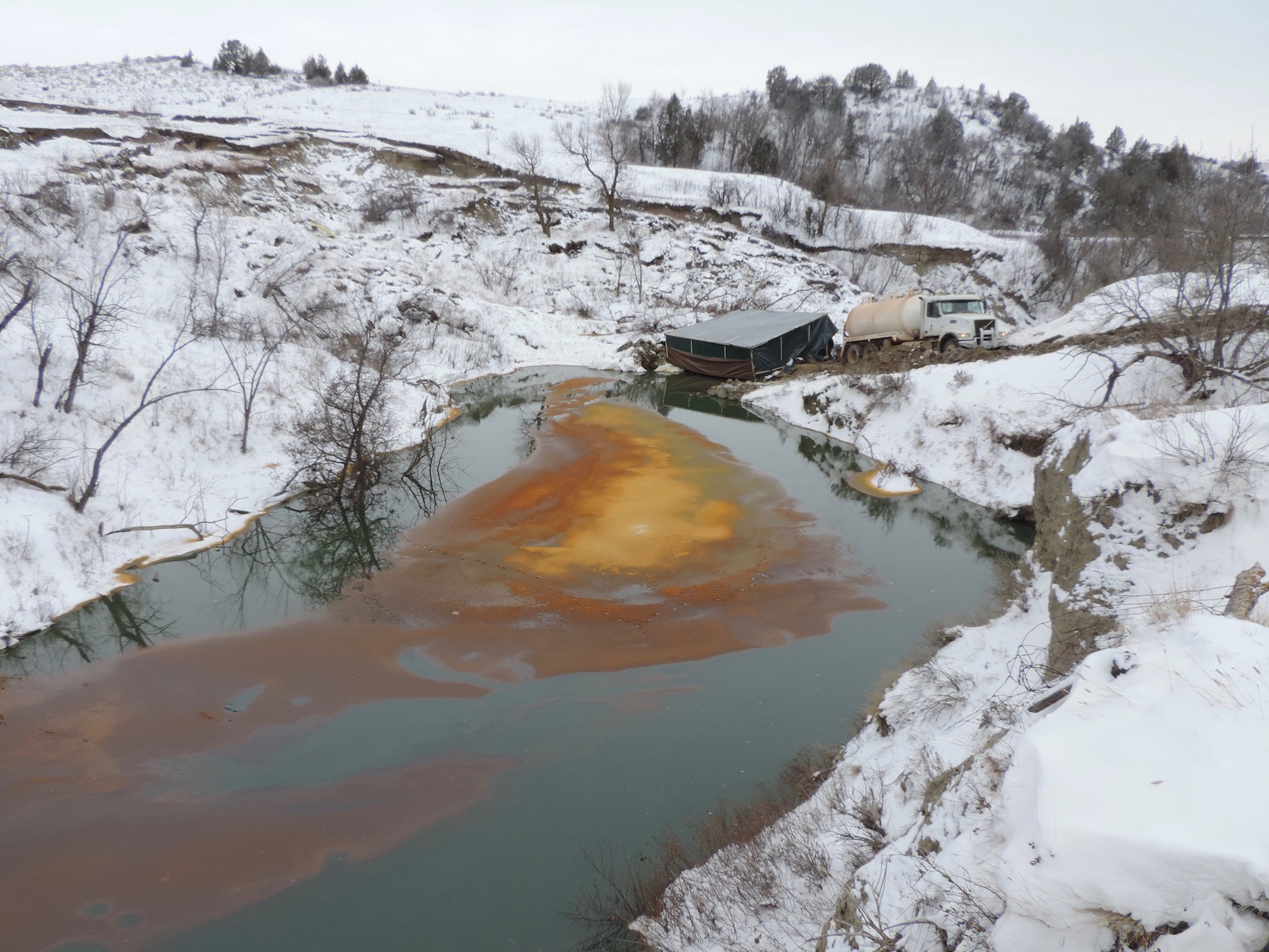 Pipeline continues to leak oil months after rupture in North Dakota
