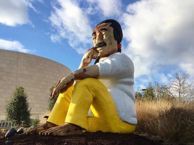 Statue of imprisoned activist Leonard Peltier coming down in D.C.