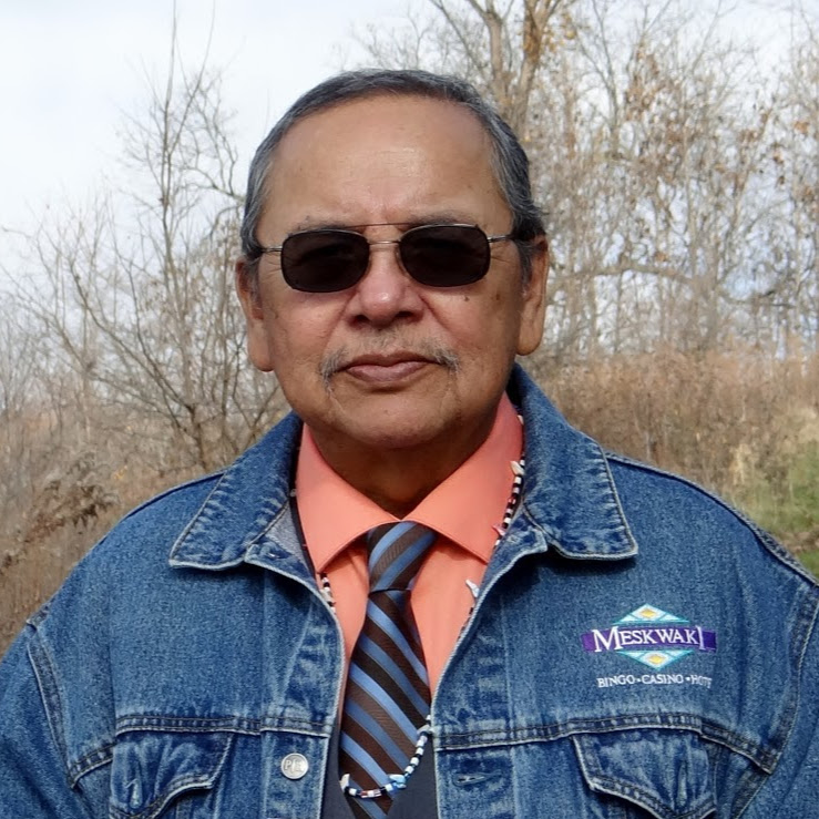 New Yorker features Meskwaki word-songs performed by poet Ray Young Bear