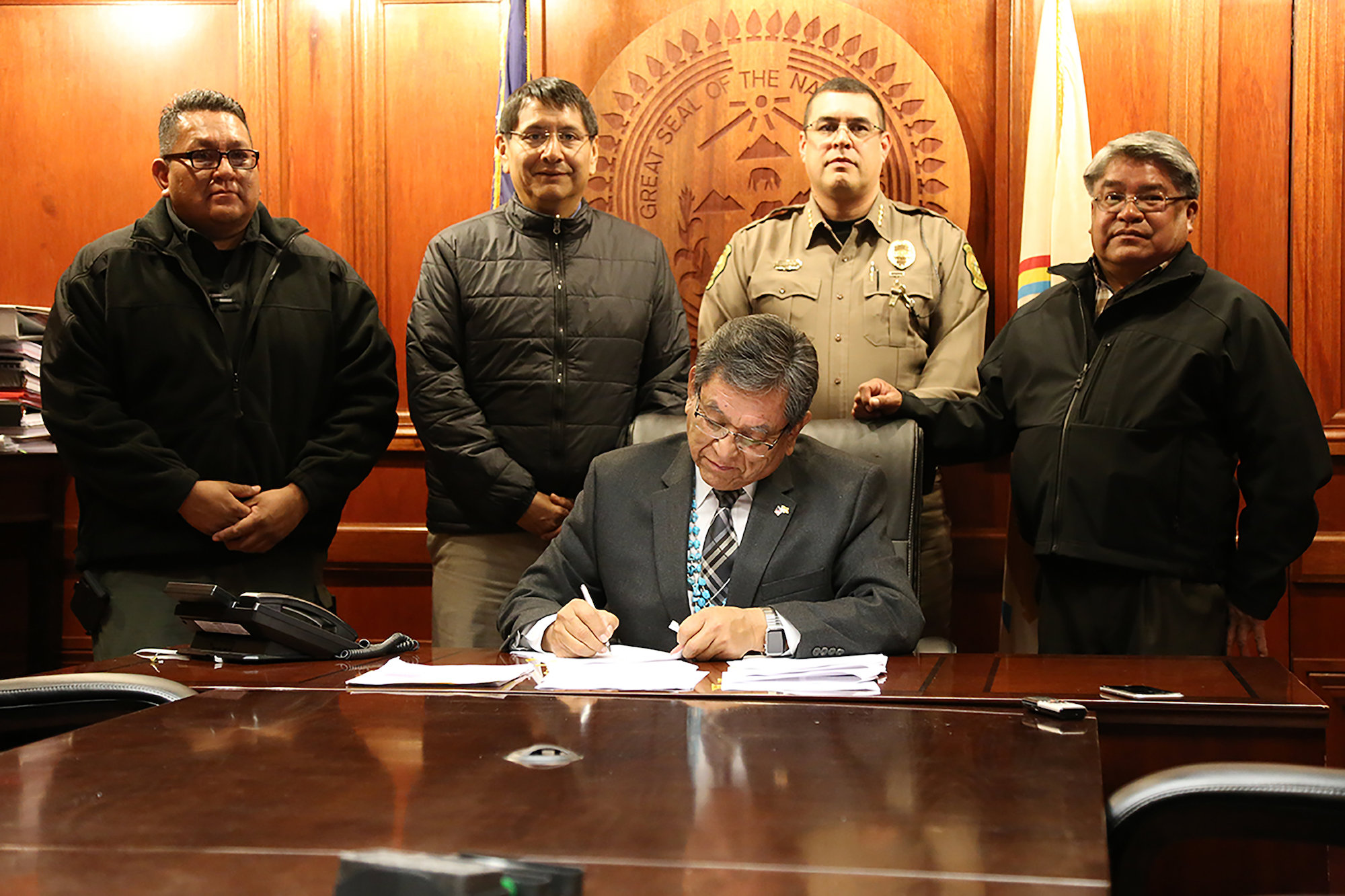 Navajo Nation signs contract to implement AMBER Alert system on reservation