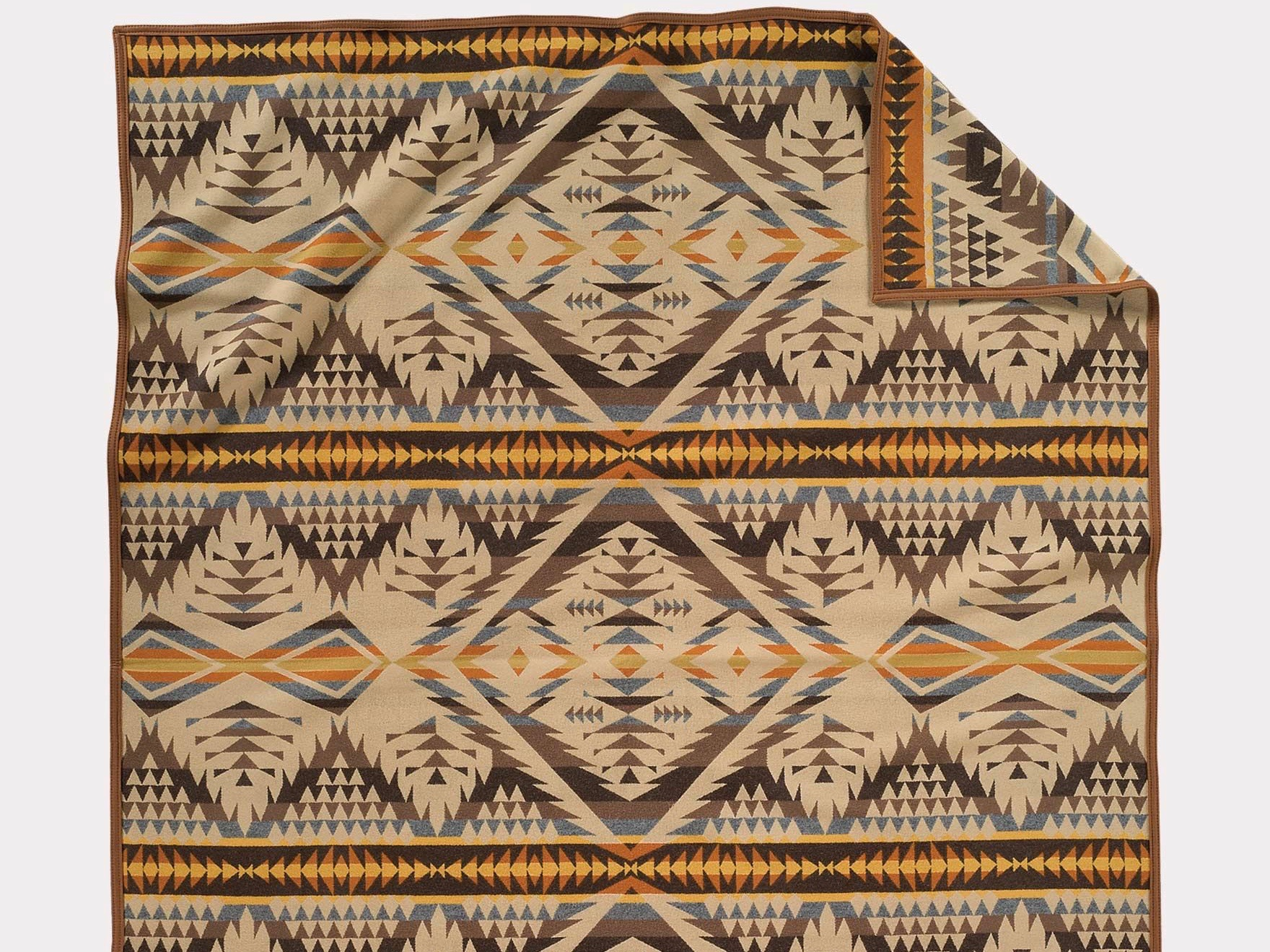Oregon politician donated Pendleton blanket given by Umatilla Tribes