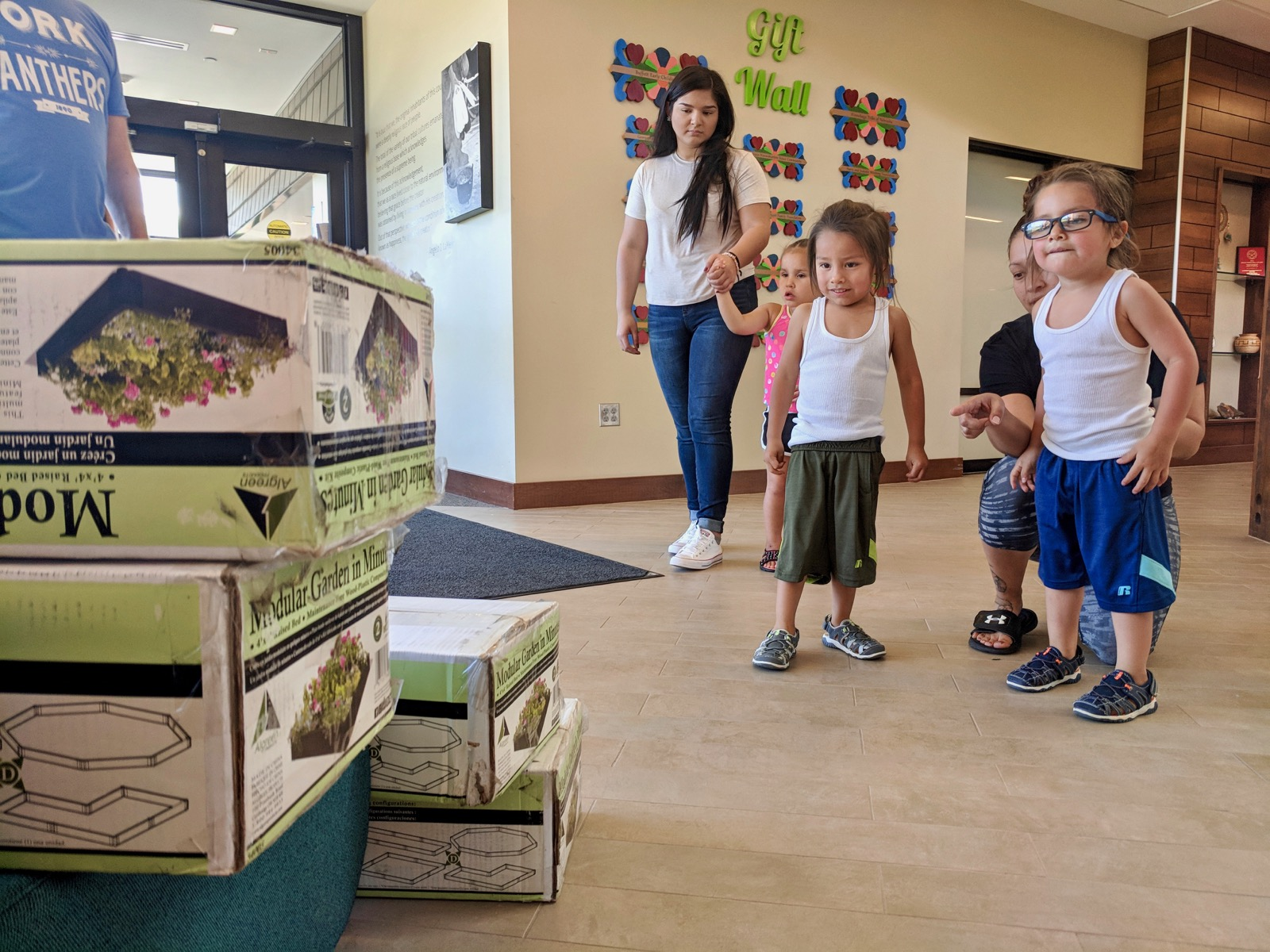 Winnebago Tribe brings gardens to youth on the reservation