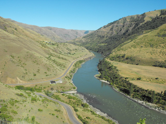 Columbia River basin site shows early evidence of first Americans