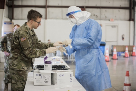 Illinois National Guardsmen operate COVID-19 testing site in Bloomington, Ill